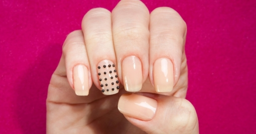 spikes-e-cristais-para-as-unhas-1372277565285_956x500
