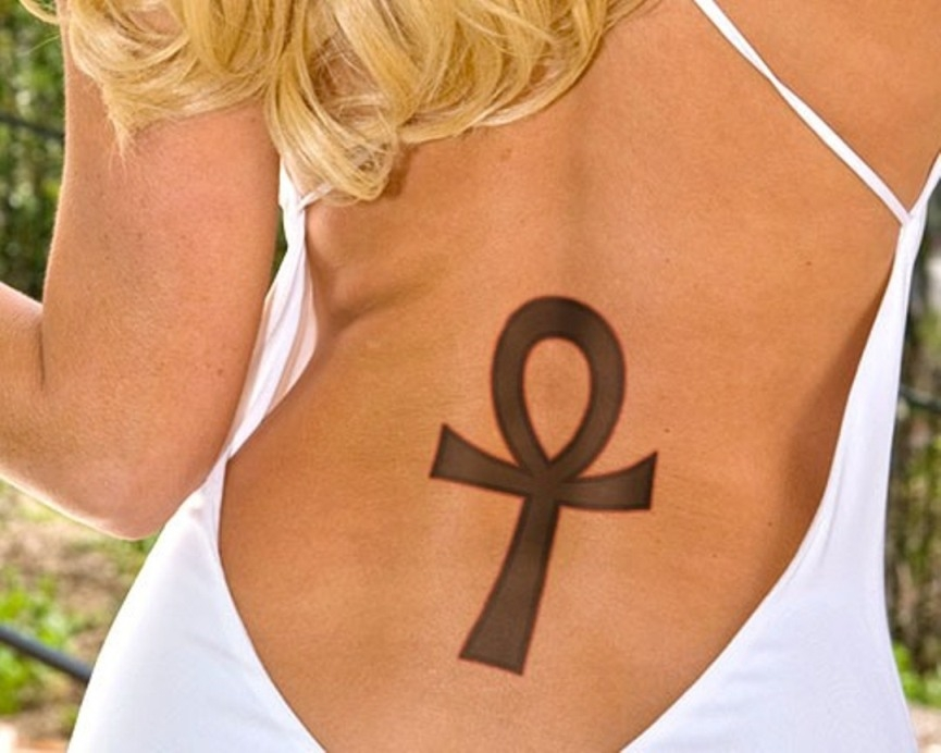 egyptian-ankh-tattoo-back