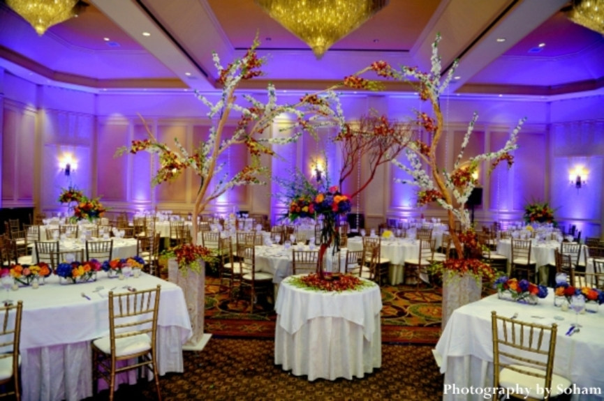 4-indian-wedding-reception-venue-decor-ideas