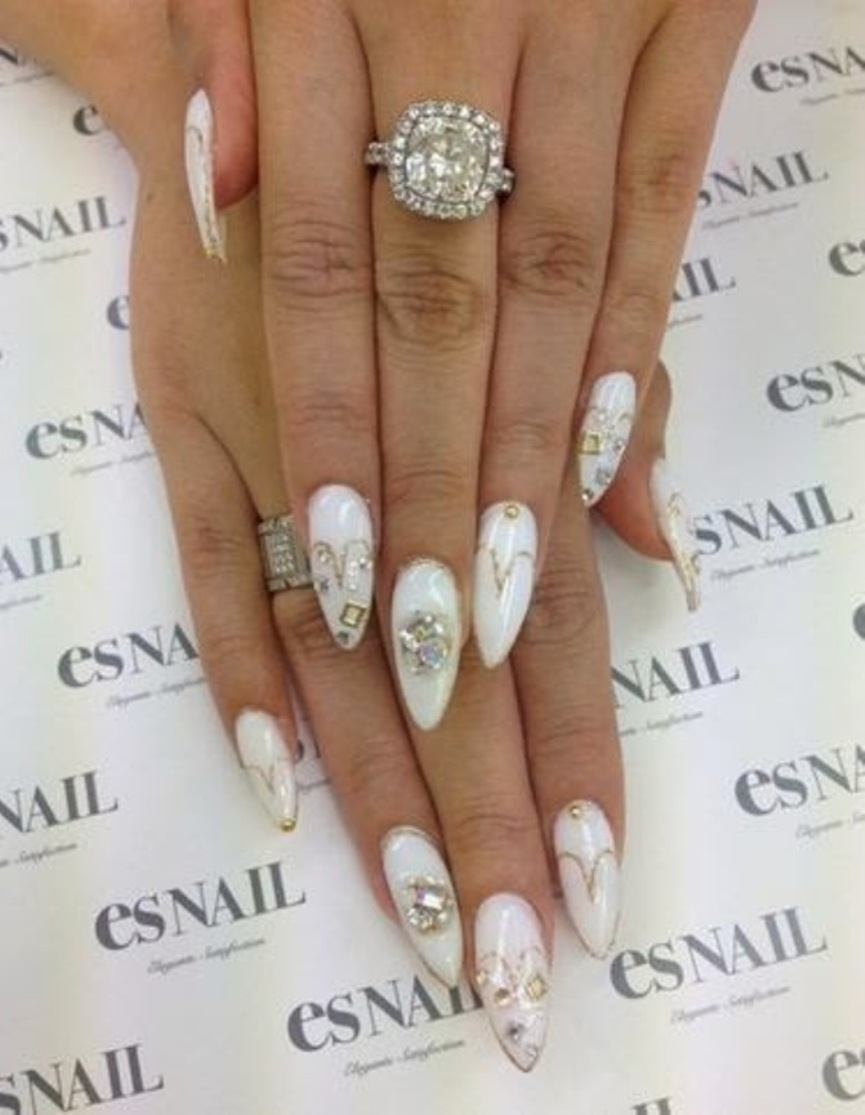best-diamond-nail-art-19