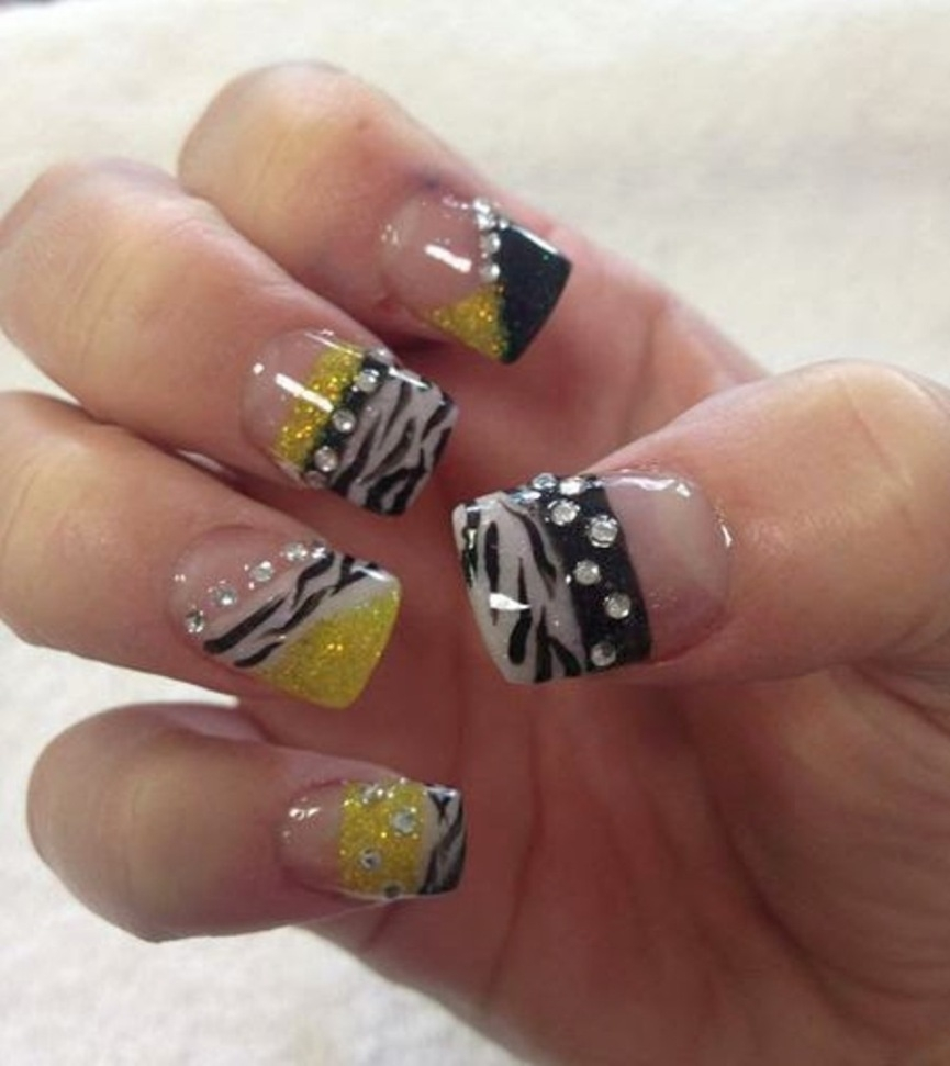 best-diamond-nail-art-20