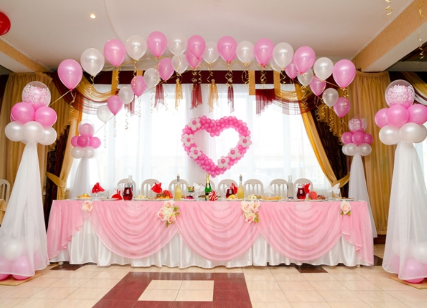 decorate-with-balloons