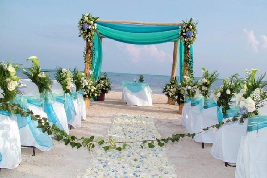 Summer Wedding Ceremony: Beach Wedding Party Decoration Photo Gallery